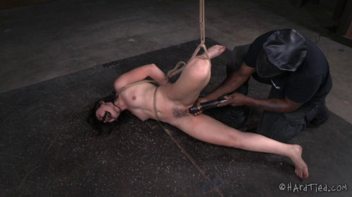 Amy Faye likes it rough BDSM