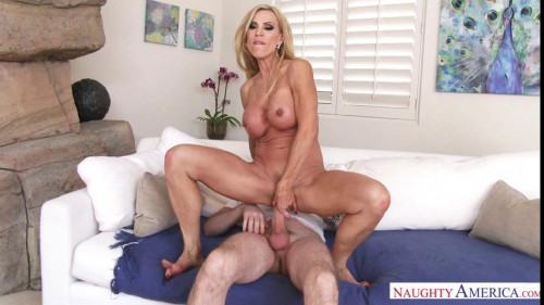 Amber Lynn Mature, MILF