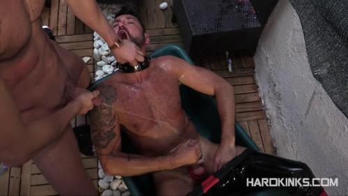 Gay BDSM Cock Hungry Rubber Pig (Elio Guzman, Michael Selvaggio, Sergio Mutty)