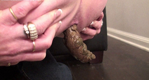 Demi Big Hard Log Filesmonster Scat