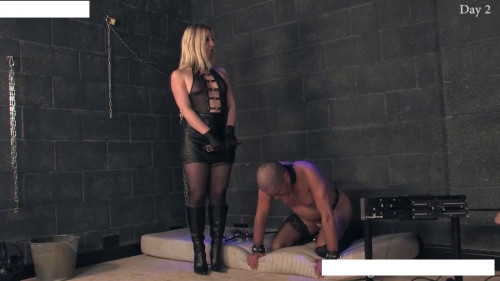 Femdom and Strapon He sits on the chain and prikovat waiting for my orders