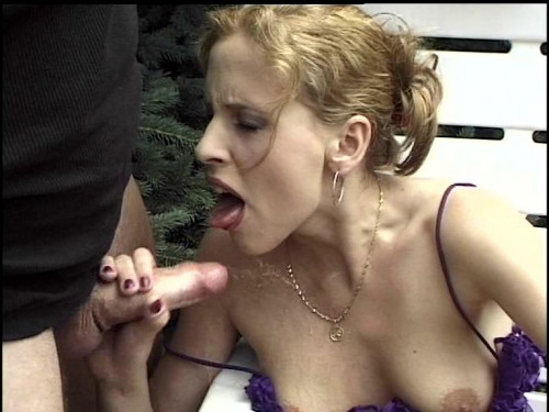 Younger Slut Having A Pee And Scat Threesome Outdoor Filesmonster Scat