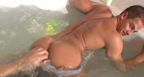 Pierre Muscle Worship #3 Gay Clips