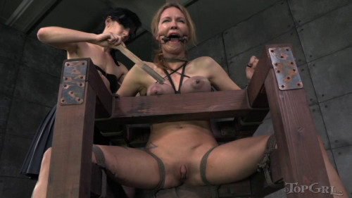 bdsm TopGrl Rain DeGrey Toying with Rain