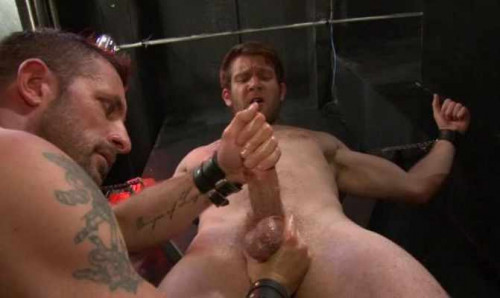 Gay BDSM Brave submit bondage and milkings