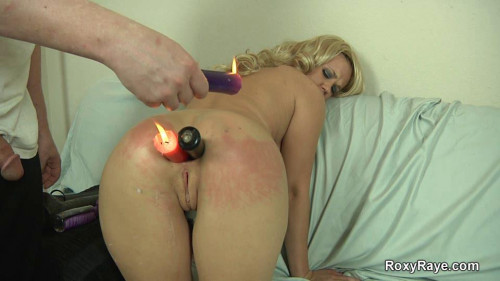 Fisting and Dildo Blonde Roxy Gets Man Handled