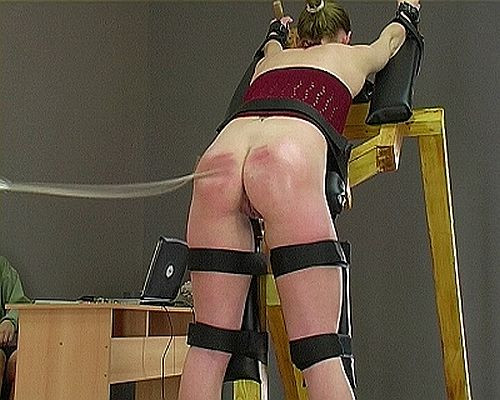 [BDSM] [Pain4Fem  - The Spanking Machine]