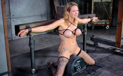 bdsm Rain DeGrey cums hard