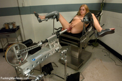 Machine Maniac: Lexi Belle and her Bottomless Pussy Sex Machines