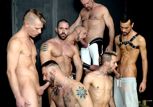 Gay BDSM Andrew, Armin, Fostter, Joe, Jon, Jorge, Mauri and Michael in the scene GangBang