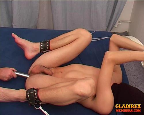Gay BDSM Ton Ordeal scene10