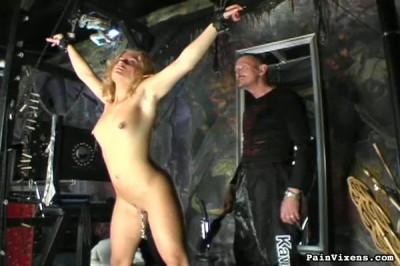 bdsm Painvixens - 25 Dec 2008 - Blonde Pain Slut