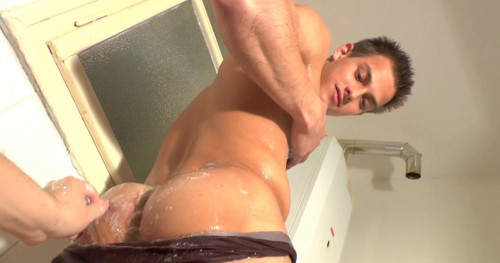 Pierre Muscle Worship #2 Gay Clips