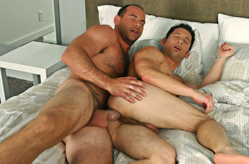 DOWNLOAD from FILESMONSTER:  Free Transsexual and Gay Porn Videos and Gay Movies  Ari Silvio & Girth Brooks