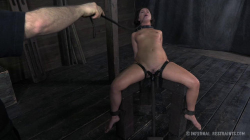 bdsm Mia Gold Dungeon Slave part 2