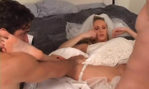 Femdom and Strapon I changed my wedding night