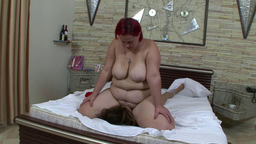 Under Ruby's Giant Butt Femdom and Strapon