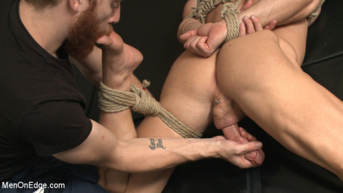 Gay BDSM Pervy handyman has his way with a hot muscle god at the gym