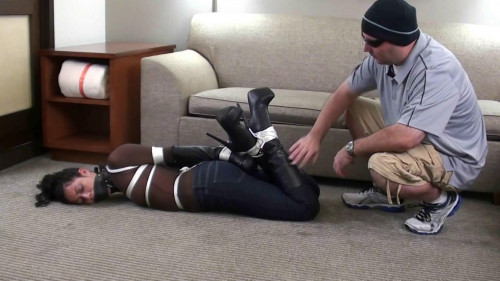 bdsm Merula Roped Up in Boots