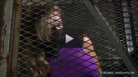 Hook, Box & Ringer Cherie DeVille