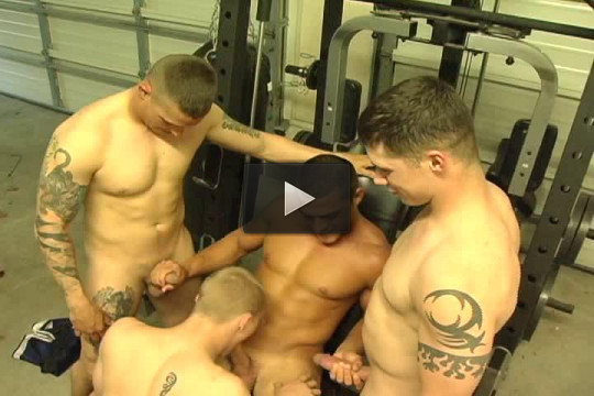 Orgy With Muscle Gunners