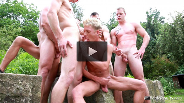 Oral orgy for a boy!