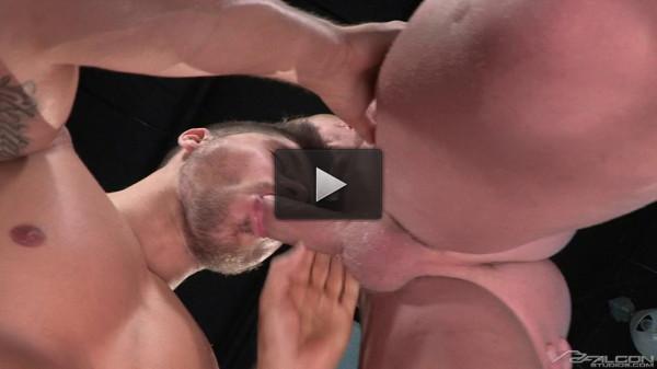 Muscle men in hot anal fucking