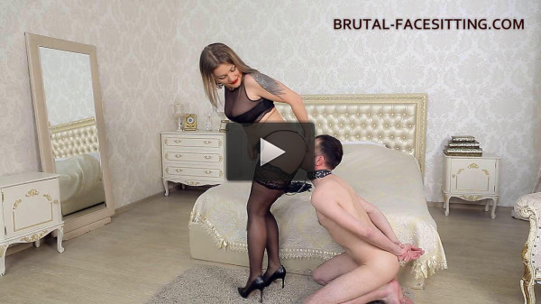 Mistress Luisa Facesitting Dildo (2016)