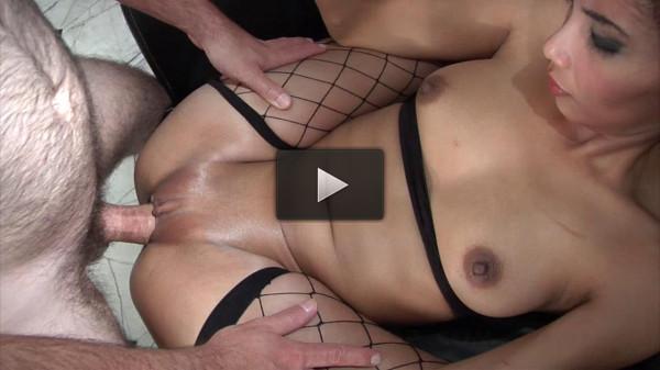 Moe Horny Thai Prostitute