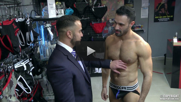 anal sex first scene muscle studs (Amateur muscular boys).