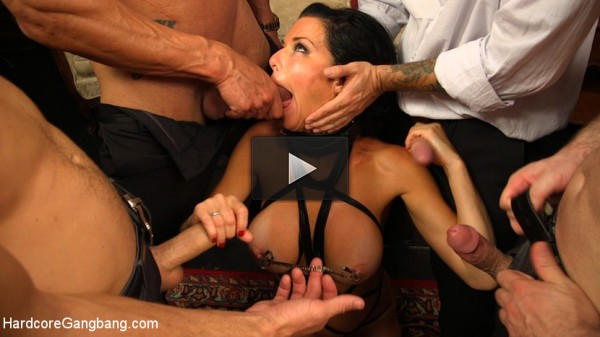 Kitten In A Cage: Veronica Avluv