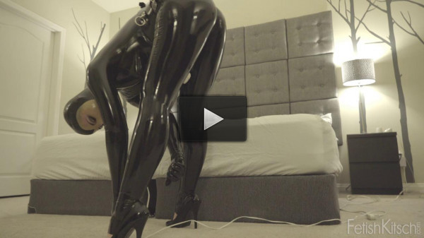 At Charlotte chain and in pussy vibrator