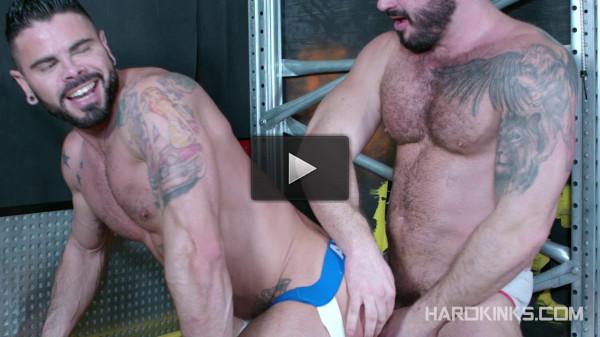 Hard Kinks — Macho Beast — Jessy Ares, Mario Domenech