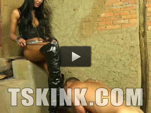 Kinky Tranny Domme Yasmin Andrade
