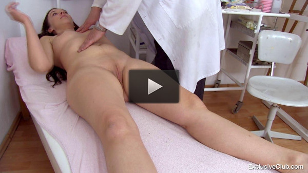 Melinda (23 years girls gyno exam)