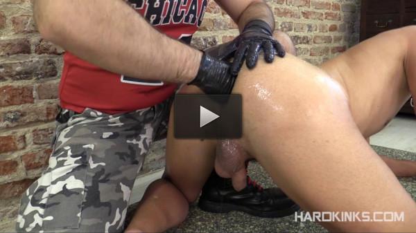Fisting The Slave (Khalel, Toro Tyrk)