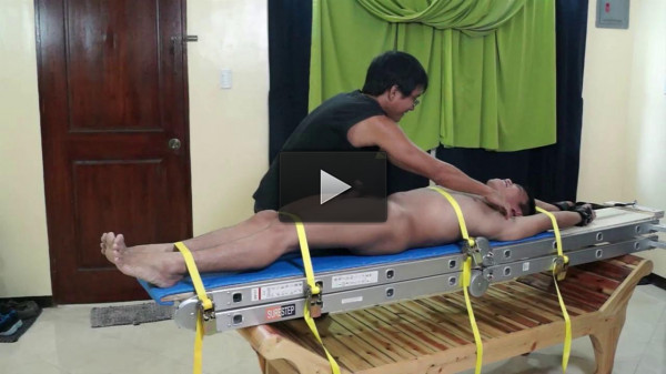 Tickling Lorenzo - vid, hand, asia, style