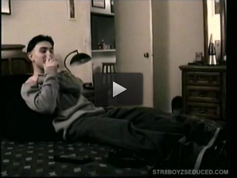 boy star bedroom pau (Straight Boy Paulie Beats His Meat)...