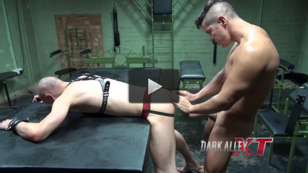 DarkAlley XT — Anakonda plays Domino (DarkRoom)