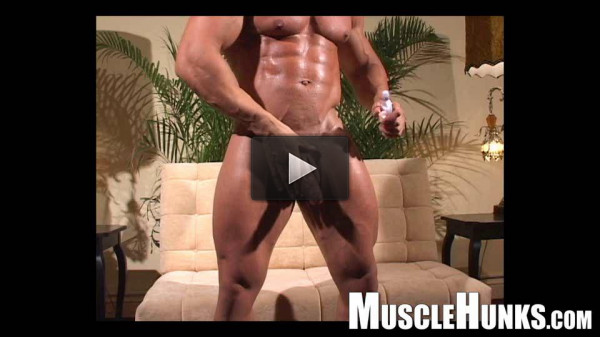 MuscleHunks — Eddie Camacho: The Lost Interview