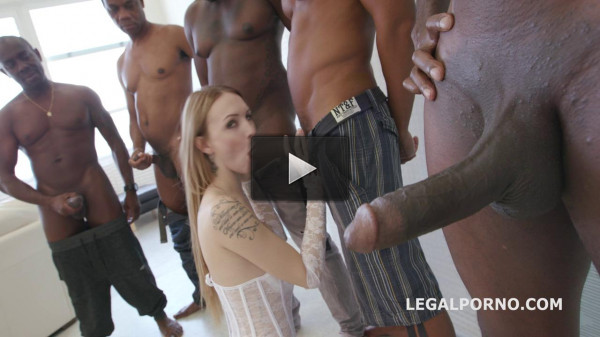 Five Black Monster Cocks In Interracial Gangbang