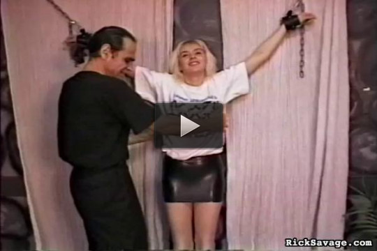 Bondage Virgin: Blondie