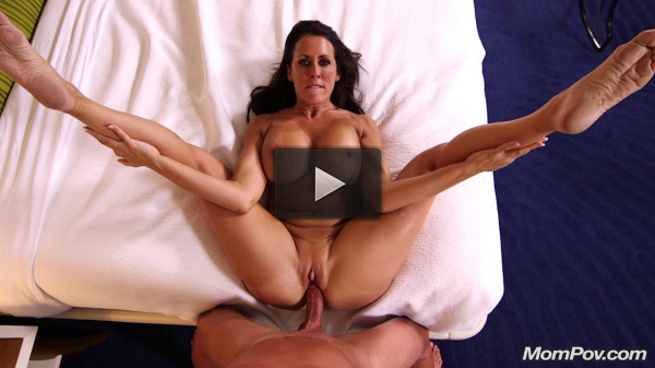 Reagan — Beautiful busty swinger webcam MILF E390 HD 720p