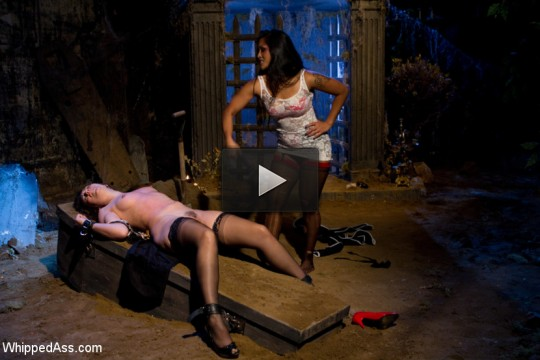 Sinn sage gets spanked in «hooker's curse»!!!!!