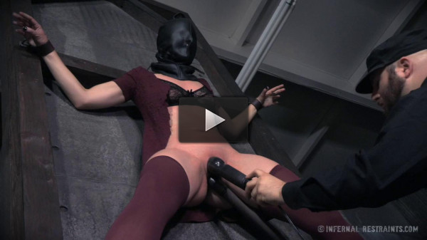 Tight bondage, hogtie, spanking and torture for naked brunette
