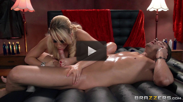 Blonde Poses As A Good Masseuse