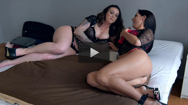 Sheila Grant, Harmony Reigns — Dirty Kitchen Stories — Busty Lesbians Play With Ice Cream