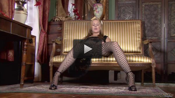Aston Wilde — A pantyhose stripe tease!