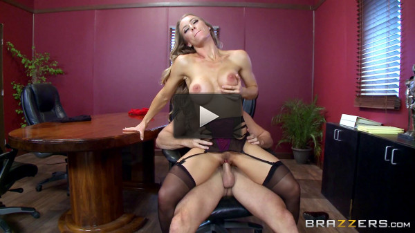 Nicole Aniston — A Union Nutbuster (2016)