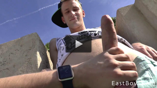EastBoys — Handjob — Observation tower and a big cock — Thomas Fiaty